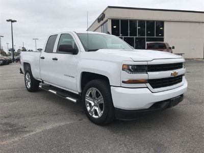 2017 Chevrolet Silverado 1500 SILVERADO CUSTOM (Summit White)
