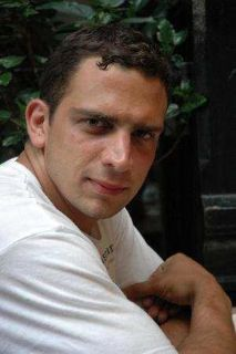 Mike P is looking for a New Roommate in New York with a budget of $2000.00
