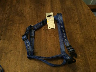Brand NEW Reflective Harness for dogs, size medium, has control handle too