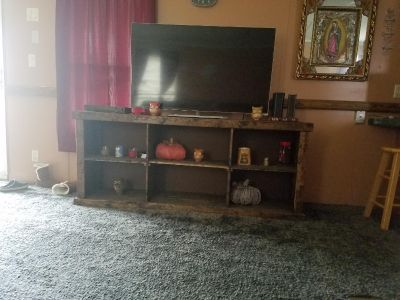 TV table heavy perfect condition heavy bring own help must PUC up wrightsboro area
