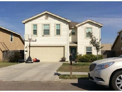 4 Bed 2.5 Bath Foreclosure Property in Mercedes, TX 78570 - 6th St
