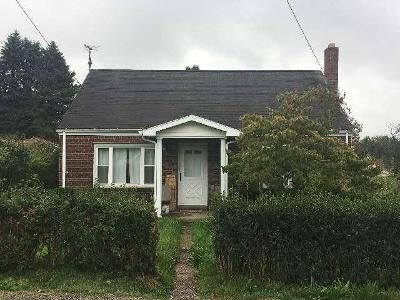 2 Bed 1.0 Bath Preforeclosure Property in Aliquippa, PA 15001 - Scott Ave