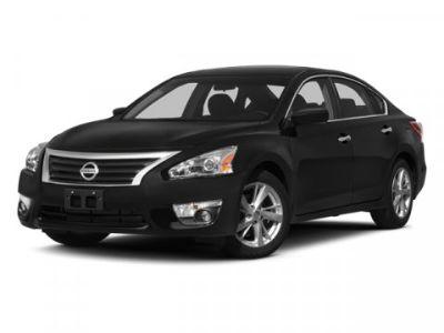 2013 Nissan Altima 2.5 (Pearl White)