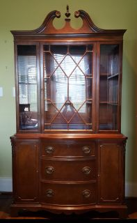 China cabinet, with detachable hutch