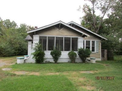 3 bedroom in Pine Bluff