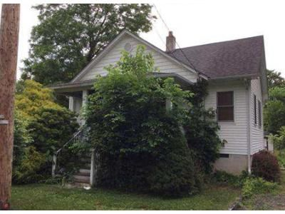 2 Bed 1 Bath Foreclosure Property in Flagtown, NJ 08821 - 5th St