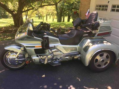 1999 Honda Goldwing Trike w/Matching Trailer Show Winner!
