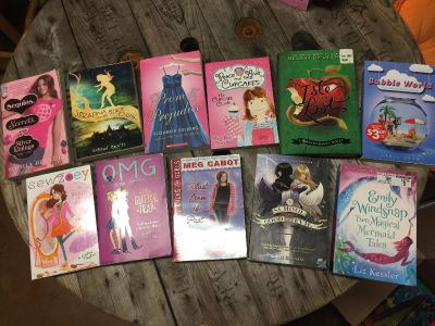 Girls book lot. 11 total!! Great condition.