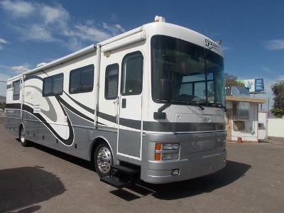 $44,900, Fleetwood Discovery Double Side Diesel Pusher
