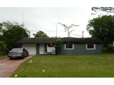 3 Bed 1 Bath Foreclosure Property in Edgewater, FL 32141 - Yule Tree Dr