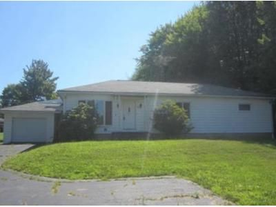 3 Bed 1.5 Bath Foreclosure Property in Greenville, PA 16125 - Mercer Rd