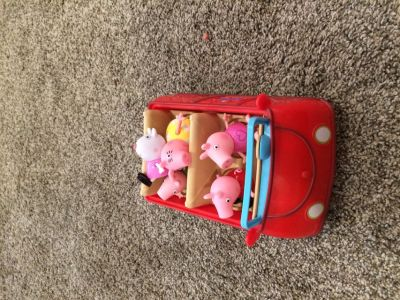 Peppa pig car and figures