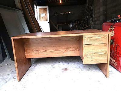 Desk Wooden great shape