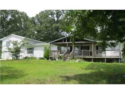 3 Bed 3 Bath Foreclosure Property in Tuscumbia, AL 35674 - Lime Rock Rd