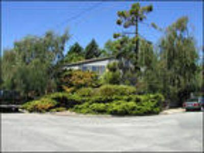 Santa Cruz Four BR 3.5 BA, 201 Overlook Drive, Backyard Fountain