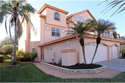 Beautiful 3/2.5/2 townhouse in gated community