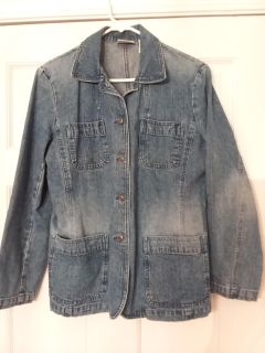 Villager sport jean jacket, size M, EXCELLENT USED CONDITION