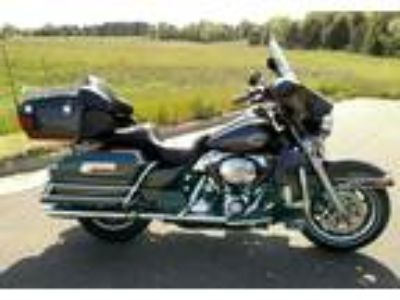2008 Harley-Davidson FLHTCU-Ultra-Classic-Electra-Glide Touring in Chippewa