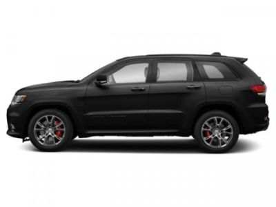 2019 Jeep Grand Cherokee Laredo (Diamond Black Crystal Pearlcoat)