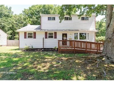 5 Bed 2 Bath Foreclosure Property in Clementon, NJ 08021 - Country Club Rd