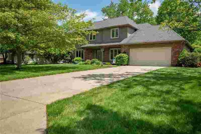 8801 Skippers Way Indianapolis, Welcome to this custom built