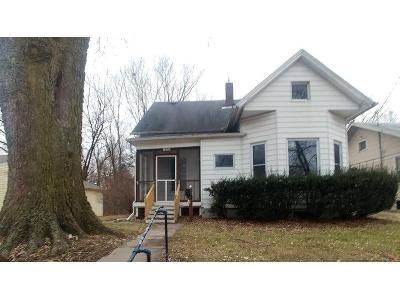 3 Bed 2 Bath Foreclosure Property in Muscatine, IA 52761 - Orange St