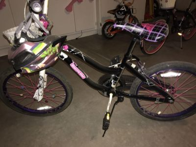 Pick up Sunday for $10 Girls Monster High Bike with Helmet and Basket
