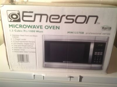 Emerson Professional Series Microwave