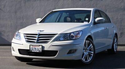 2011 Hyundai Genesis 3.8L V6 (White Satin Pearl)