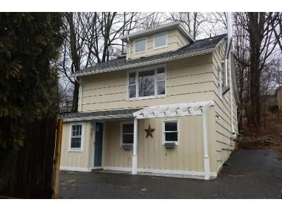 2 Bed 2 Bath Preforeclosure Property in Westport, CT 06880 - Clinton Ter