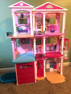 Barbie Dream House (accessories not included)