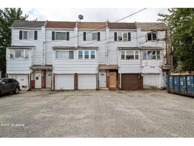 2 Bed 1.5 Bath Foreclosure Property in Staten Island, NY 10303 - Emeric Ct