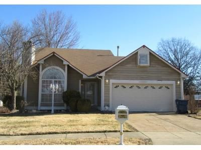 3 Bed 2.5 Bath Foreclosure Property in Florissant, MO 63031 - Celerity Dr