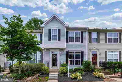 2509 Dog Leg CT CROFTON Four BR, Open flowing floor plan with