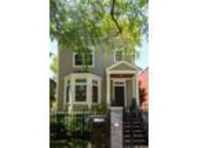 Spectacular East Lincoln Park Home on XL Lot!