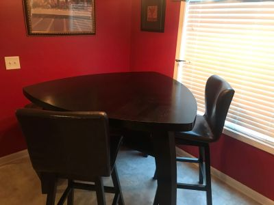 Guitar Pick Kitchen Table