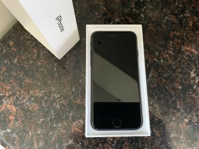 iPhone 7 - Excellent Condition