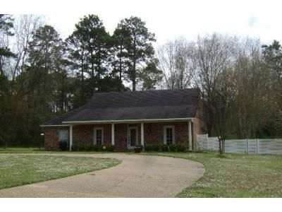 3 Bed 2.5 Bath Foreclosure Property in Mansfield, LA 71052 - N Hills Dr