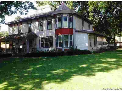 432 N 5th St AUBURN Four BR, gorgeous, stately victorian