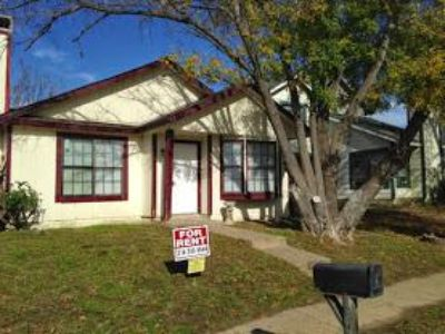 Awesome 2br, LARGE 2 Bedroom 2 Bath, 1 Car Garage House For Rent In Dallas