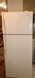Whirlpool Refrigerator (THIS WILL BE AVAILABLE THIS WEEKEND) Works Good Just Remodeled The Kitchen.