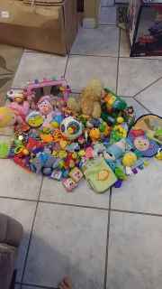 Lots of baby toys 0mos to 12mos