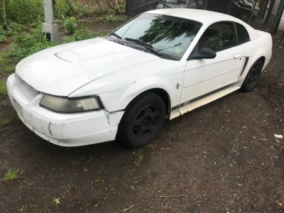 2003 Ford Mustang Base (Oxford White)
