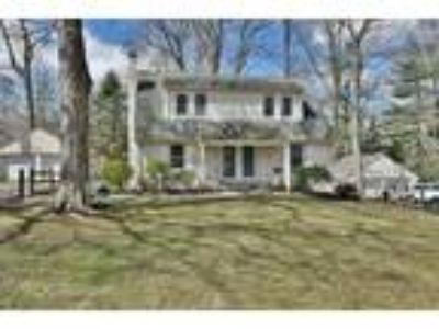 9 B Cottage Lane, Upper Saddle River, NJ 07458