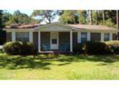 Three BR Two BA In Gulf Shores AL 36542
