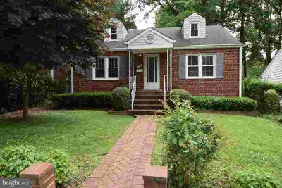 2831 Monroe St Falls Church Four BR, Don't pass this by!