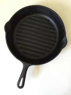 CAST IRON GRIDDLE PAN 11 inch