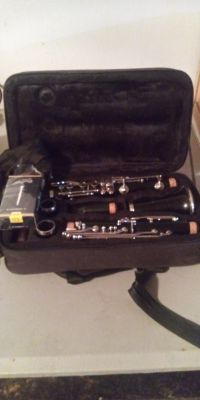 Clarinet and 8 reeds