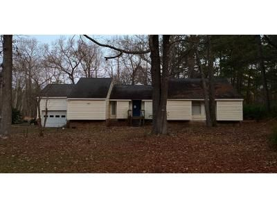 3 Bed 2 Bath Preforeclosure Property in Wendell, NC 27591 - Winchester Dr