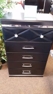FANCEE CHEST DRESSER